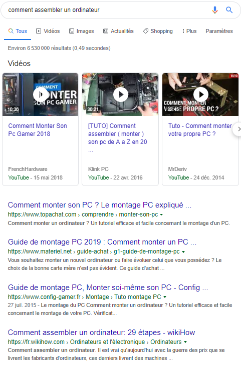 Page internet Google avec 3 vidéos tutoriels d'un montage PC