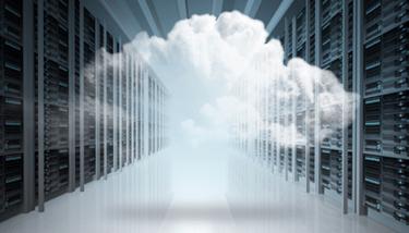 Un nuage au milieu de serveur
